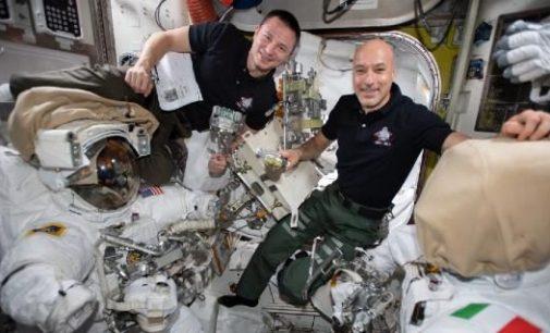 İki astronot uzayda en karışık görevde