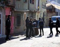 Mahalle ortasında silahlı çatışma, 10 kişi yaralandı