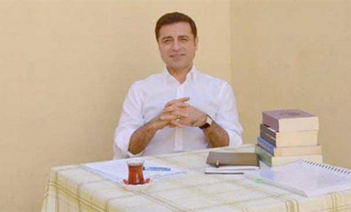 Demirtaş: AKP çürümüş bir parti, ilk sandıkta tarihe gömülecek