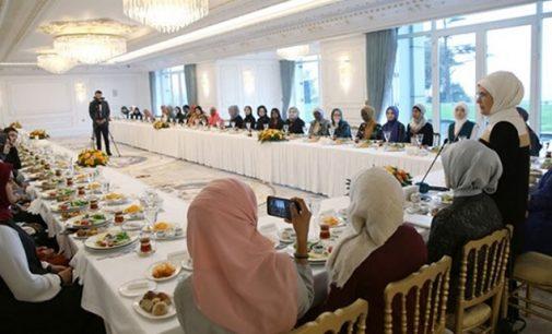 50 kişinin katıldığı 'Genç Müslüman Kadınlar İçin Liderlik Programı'na 1 milyon harcandı