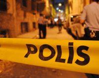 Akraba üç gencin silahlı eğlencesinde kan aktı: Bir ölü, bir yaralı