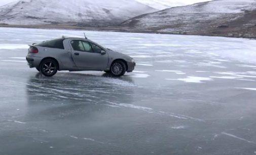 Çıldır Gölü üzerinde drift yaptı