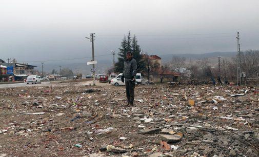 Depremde dört kişinin yaşamını yitirdiği apartman, bataklık üzerine kurulmuş, karara rağmen yıkılmamış!