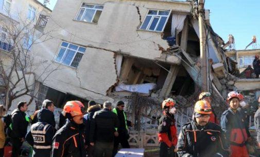 'AFAD'ın deprem paralarıyla ilgili açıklamaları kuşkulu, kim ne veriyorsa tek tek yazılsın'