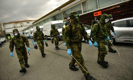 İspanya Savunma Bakanı: Pek çok yaşlı evlerinde ölüme terk edilmiş