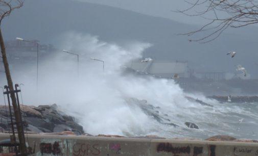 Meteoroloji'den Marmara ve Ege Denizi'nde şiddetli fırtına uyarısı