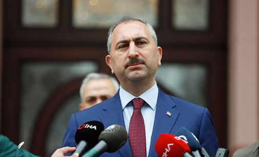 Adalet Bakanı: Adli süreçler 30 Nisan'a kadar durduruldu