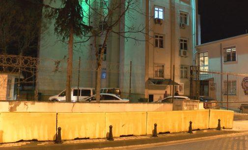 Maskeli villa partisine baskın: 11 kişi gözaltına alındı, bina mühürlendi