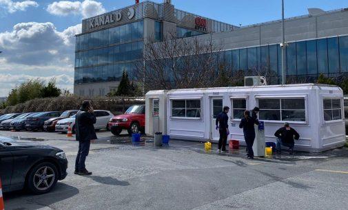 CNN Türk 'önlem' adı altında muhabir ve kameramanlarını bina içine almadı