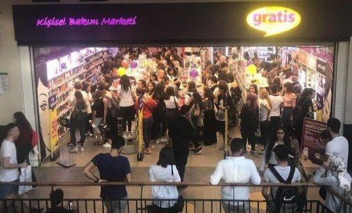 Gratis, salgın nedeniyle mağazalarını kapatıyor