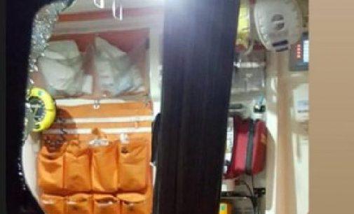 Koronavirüs vakasını taşıyan ambulansa saldırı: Üç şüpheli gözaltına alındı