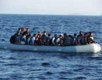 AB'den Yunan adalarındaki sığınmacılara: İki bin avro verelim, evinize gidin