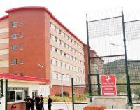 İzmir Barosu: Harmandalı Geri Gönderme Merkezi'nde 30 sığınmacı ve bir güvenlik görevlisinde virüs tespit edildi