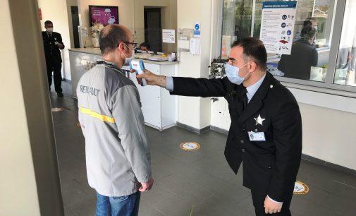 Oyak Renault yeniden üretime başladı: Bursa'da 7 bin işçi işbaşı yaptı