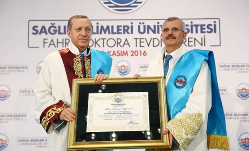 AKP'li rektörün müthiş sorusu!