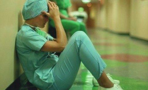 Hekimler kölelik düzenine zorlanıyor: Beş dakikada muayene, günlük 90 hasta!