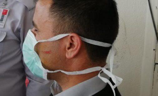Koronavirüs şüphelisi, 'Size de bulaşsın' diyerek hastanede iki güvenlik görevlisine saldırdı