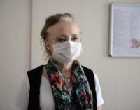 Prof. Dr. Yeşim Taşova: Bayramda yaşlıları ziyaret ve el öpme riskli grubu tehlikeye atabilir