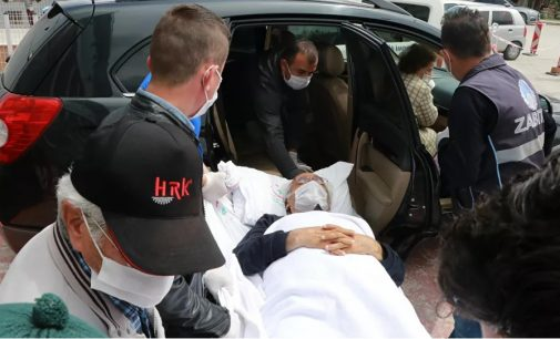 Silahlı saldırıda yaralanan CHP'li belediye başkanı ve eşi taburcu oldu