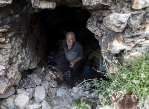 15 yıldır mağarada yaşayan Zekai Fırat: Nerede değil, nasıl yaşadığım önemli