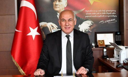 CHP'li müteahhit meclis üyesi bir günlüğüne başkan oldu: Kendisi ve yakınının üç inşaatına yapı izni verdi