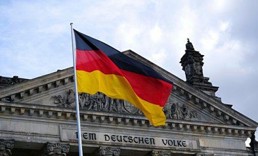Almanya'dan ülkeye girişlerde yeni karar: Varyant bölgelerinden gelenlere hem aşı hem test şartı
