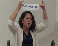 CHP'li Kadıgil, AKP'li vekillere seslendi: Sizi 'Z kuşağı' gönderecek!