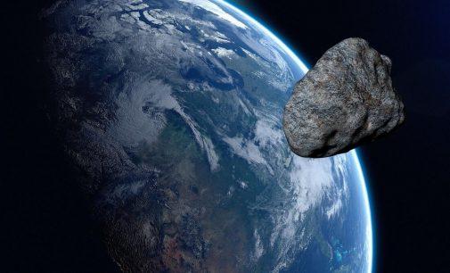 NASA uyardı: Beş asteroit Dünya'ya yaklaşıyor