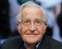 Noam Chomsky: Joe Biden'e oy verin ama sonra da rüyalarına girin…