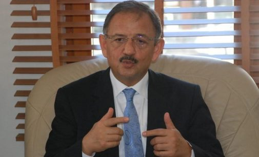 AKP'li Özhaseki CHP'li belediyeleri eleştirdi: Taş üstüne taş koymadılar