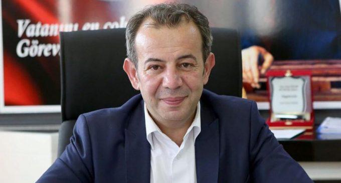 AKP'li meclis üyesi CHP'li belediye başkanını eleştirmek isterken böyle ters köşe oldu