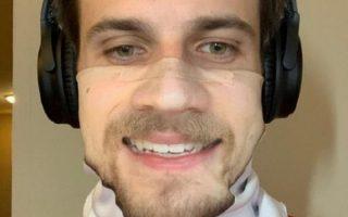 Yeni moda: Maskeye yüzlerinin fotoğraflarını bastırıyorlar