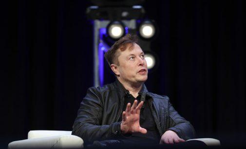 Elon Musk, Mars'a insan göndereceği tarihi açıkladı