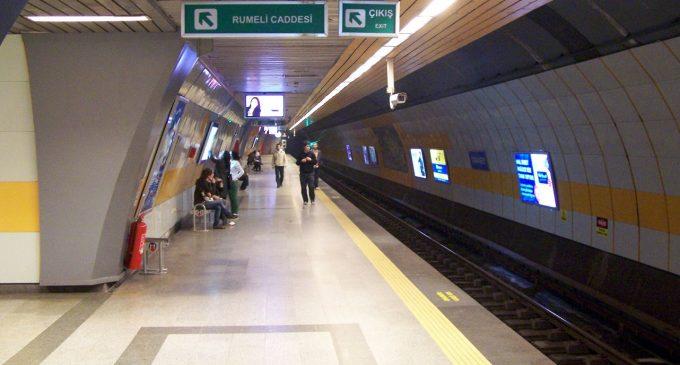 Şişli-Mecidiyeköy Metro İstasyonu'nda hareketli anlar