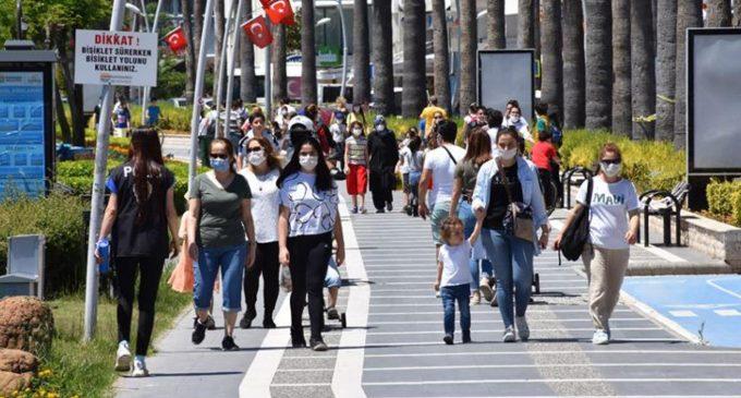 Bakan Koca duyurdu: İzmir'de iki doz koronavirüs aşısı olanların oranı yüzde 75'i geçti