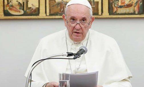 Papa'ya içinde üç kurşun olan mektup yollandı