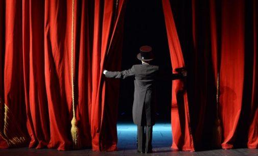 AKP'nin görmezden geldiği tiyatro emekçileri, çifte standarda itiraz ediyor