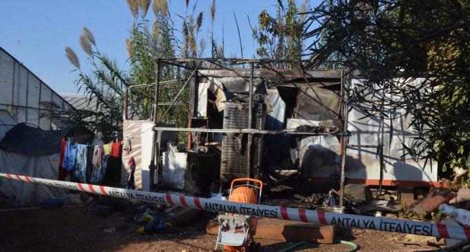 Ailesi serada çalışan 6 aylık bebek, konteynerde çıkan yangında yaşamını yitirdi