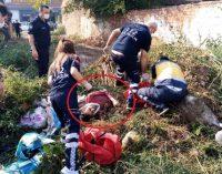 Belediye ekipleri uyuyan kişiyi fark etmedi: Ölmeden üzerine kepçeyle toprak döktüler