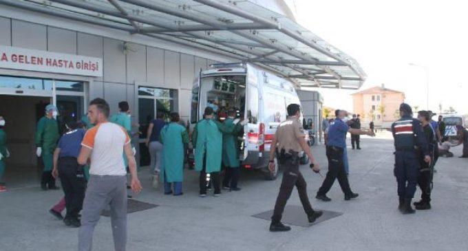 İki aile arasında silahlı çatışma: İki kişi yaşamını yitirdi, beş kişi yaralandı