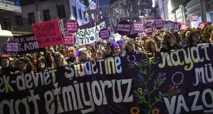 25 Kasım kadına yönelik şiddetle mücadele eylemine polis saldırısı!