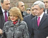 Eski Ermenistan Devlet Başkanı Sarkisyan'ın eşi koronavirüs nedeniyle yaşamını yitirdi