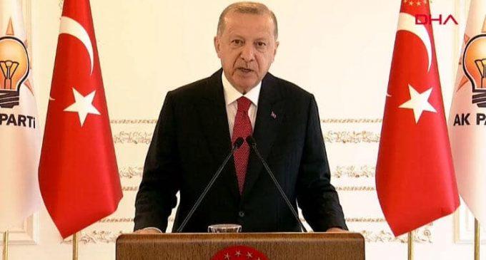 Erdoğan, koronavirüs salgınını hatırladı: Kongrelerimizi erteliyoruz