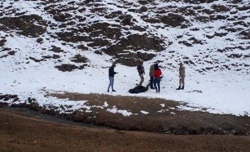 İran sınırında üç sığınmacı Türkiye'ye girmek isterken donarak yaşamını yitirdi