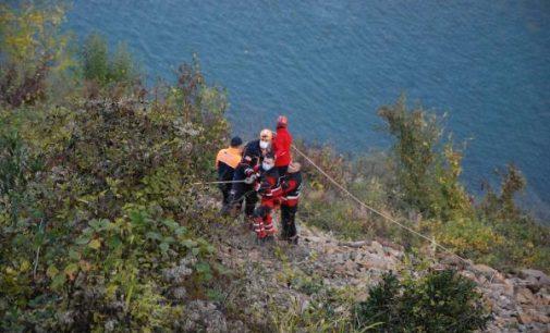 Otomobil baraj gölüne uçtu: Üç genç yaşamını yitirdi