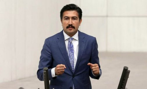 AKP'li Cahit Özkan: Dolar üzerindeki etkilerini dikkate almadan faiz indirimine bakmak lazım