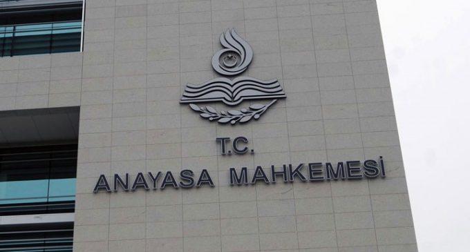 AYM, yayın organlarının kapatılmasına gerekçe olan KHK maddesini iptal etti
