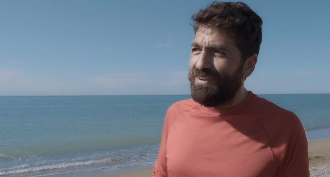 Bu belgesel KHK ile ihraç edilen barış akademisyenlerini anlatıyor: Ufka Bakma Durağı