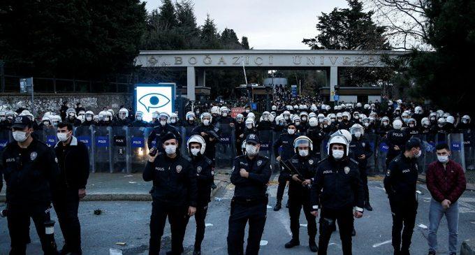 Valilikten 'Boğaziçi' açıklaması: Gözaltına alınan 105 kişiden 76'sı serbest bırakıldı