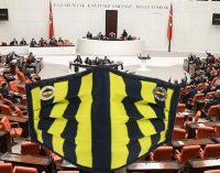 "Meclis'te ""Fenerbahçe"" logolu maskeye engelleme"